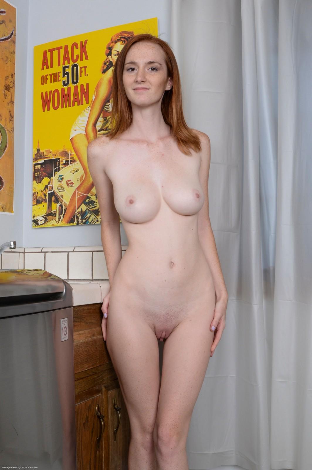 Dee Dee Lynn порнозвезда